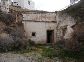 Cheap & Cheerful Cave Renovation Project in Freila