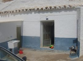 Partly Reformed Cave House in El Olivar - REDUCED
